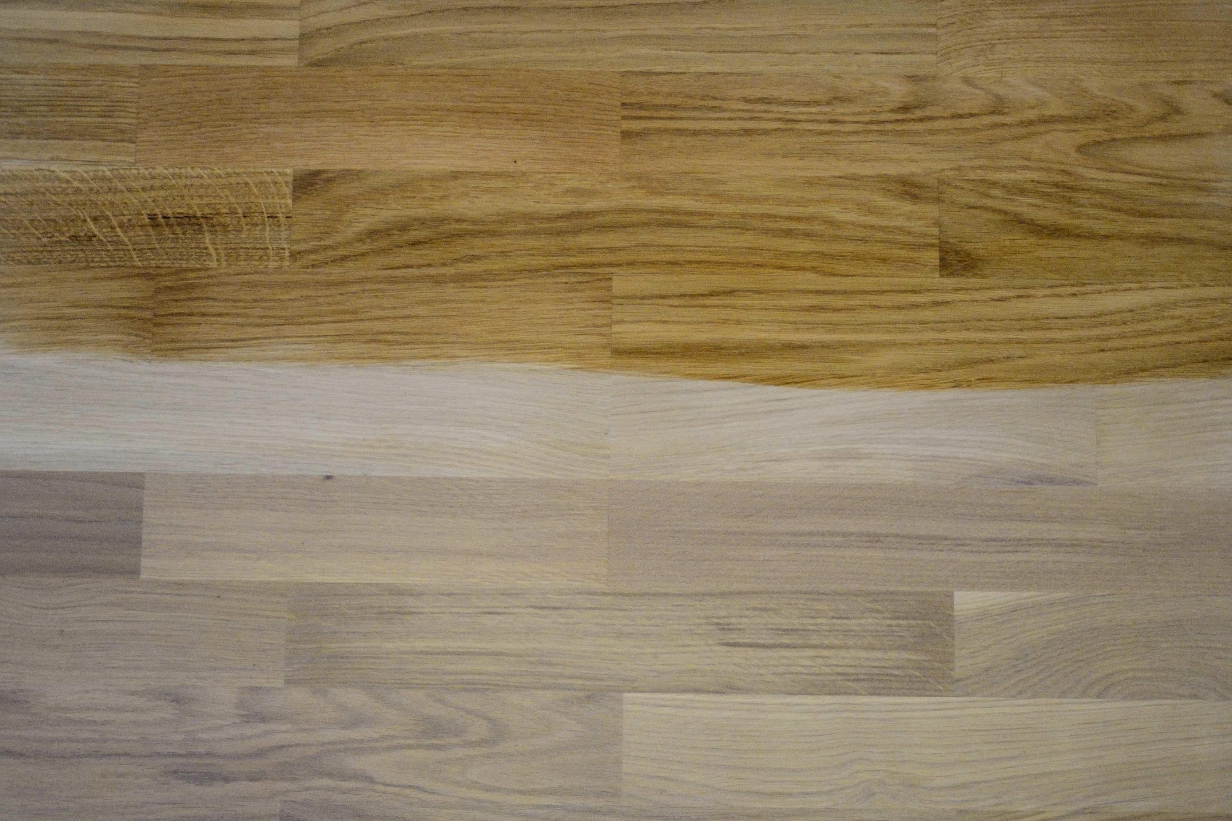 Bělící vosk na dřevo